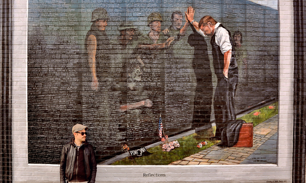 Painting a tribute to veterans
