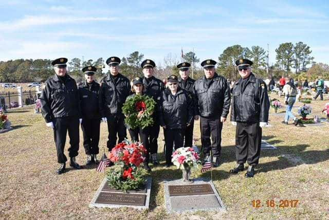 Honor guard of American Legion Post 166 participates in Wreaths Across America