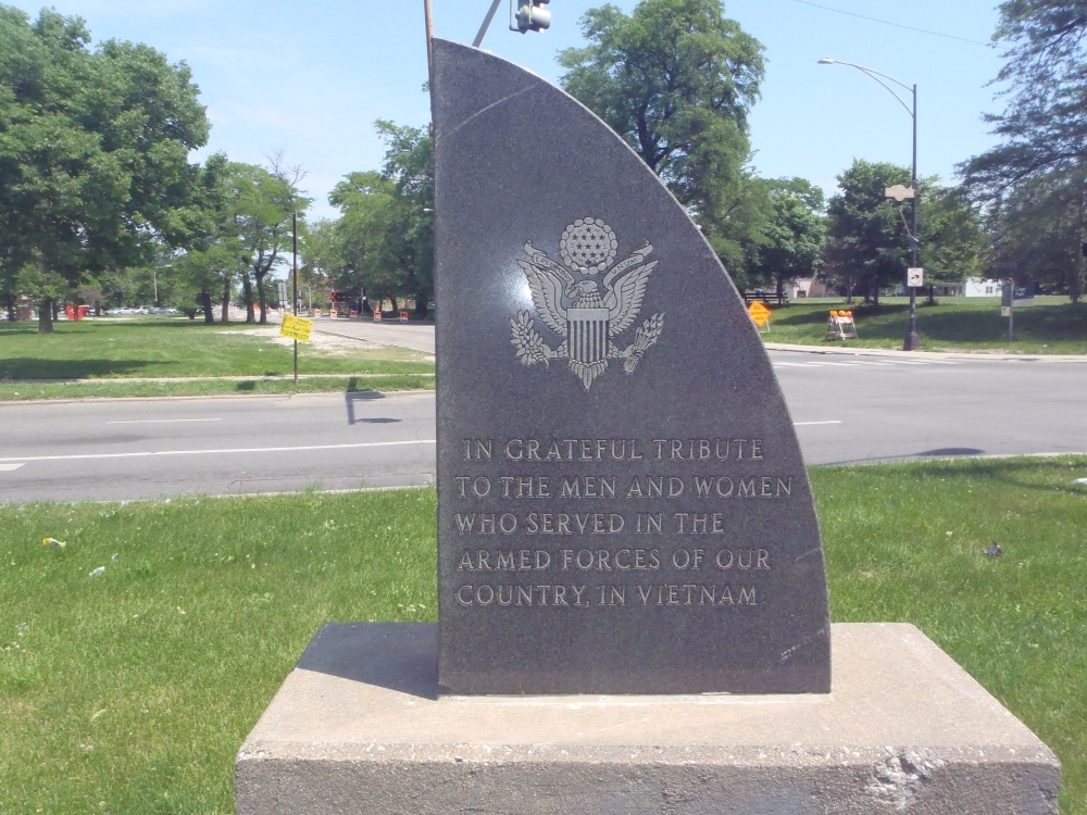 West Garfield Boulevard Vietnam Memorial