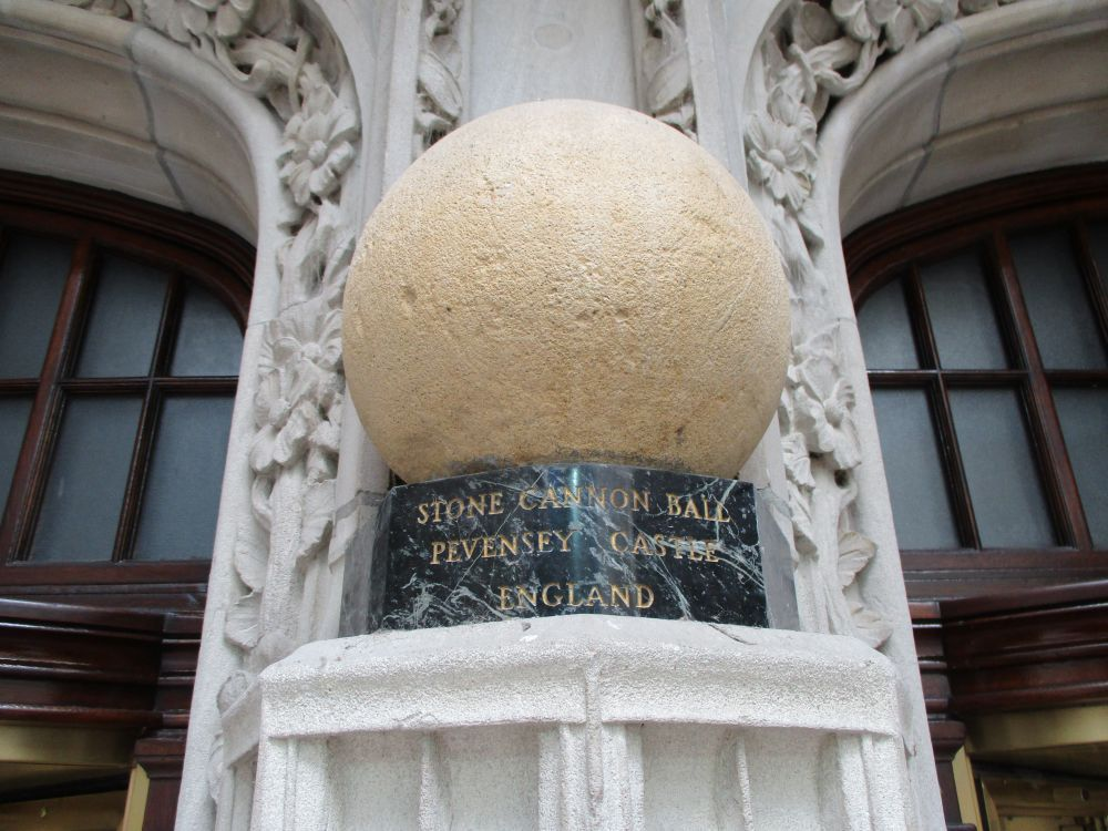 Pevensey Castle Cannonball Display, Chicago Tribune Building