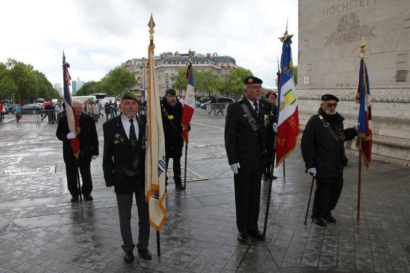 2013 82nd Airborne Division Memorial Service at Arc de Triomphe