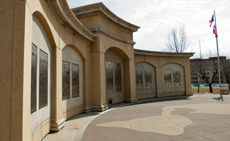 Des Moines, IA Memorials