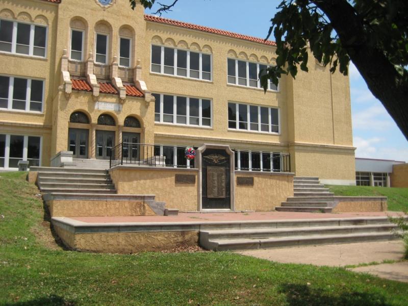 Ponca City, Oklahoma High School Veterans Memorial   The ...
