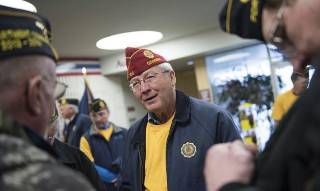 Veterans walk hits the Oregon Trail