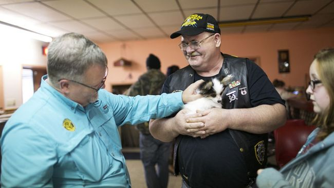 Legion-supported PAWS for Veterans Therapy Act heads to Senate