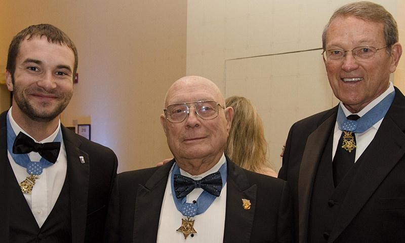 Commander Schmidt to attend veterans ball