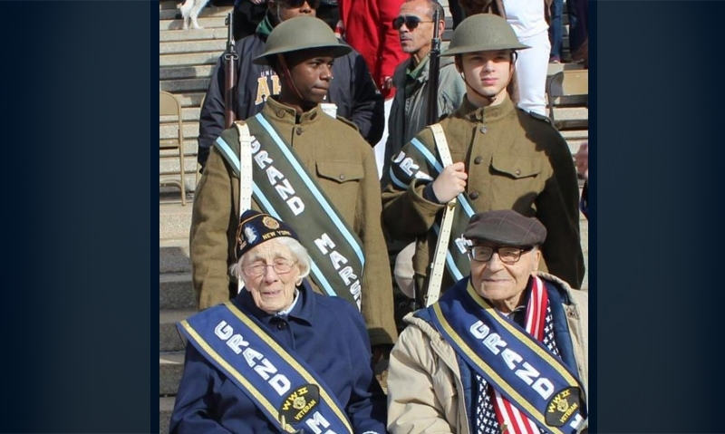 WWII veterans serve as Veterans Day parade grand marshals