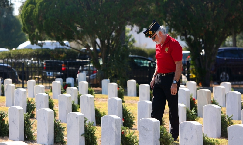 Remembering the fallen, one wreath at a time