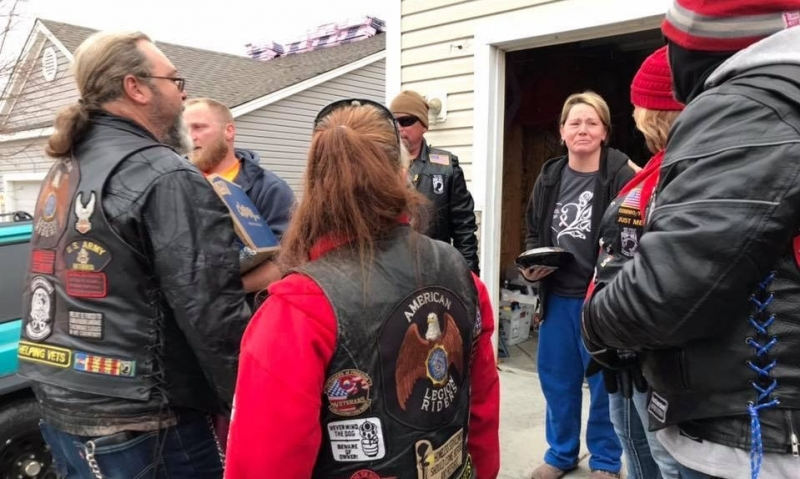 Legion Riders deliver Thanksgiving to others