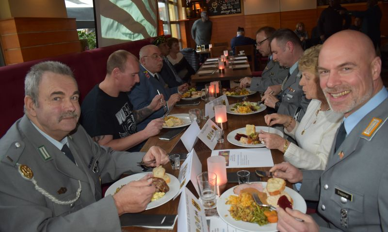 Rhein Main post celebrates Thanksgiving with community
