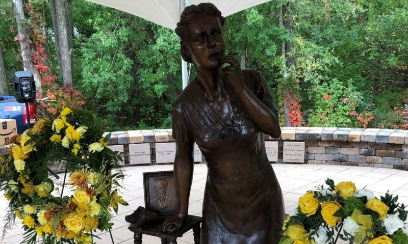 Wisconsin Post 492 dedicates state's first Gold Star Mothers statue