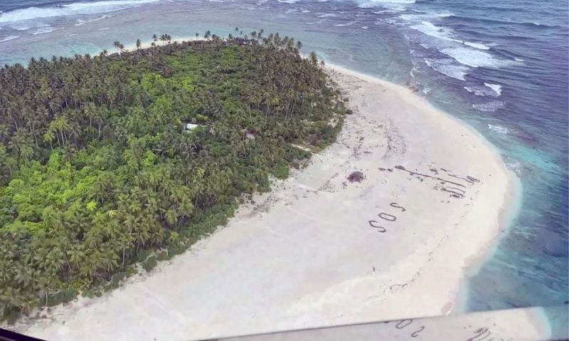 Missing mariners rescued after Air Force crew spots 'SOS' on Pacific island