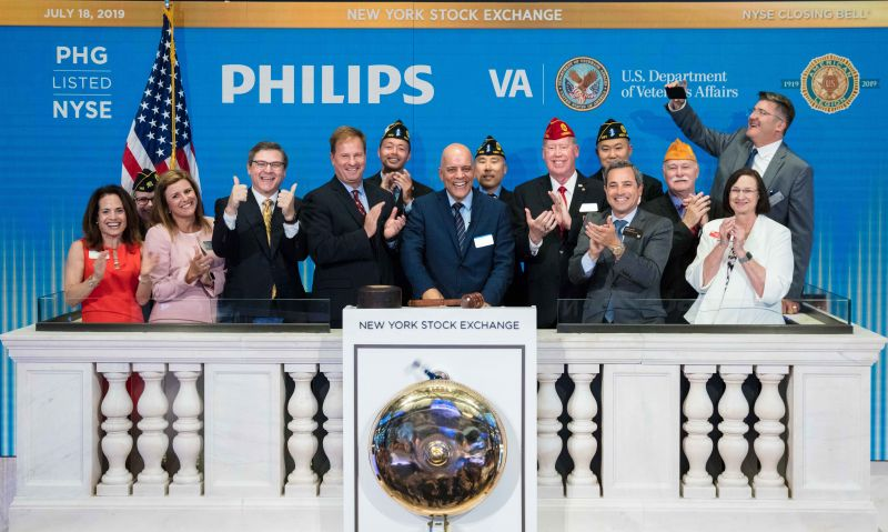 National Commander Reistad rings closing bell at NYSE