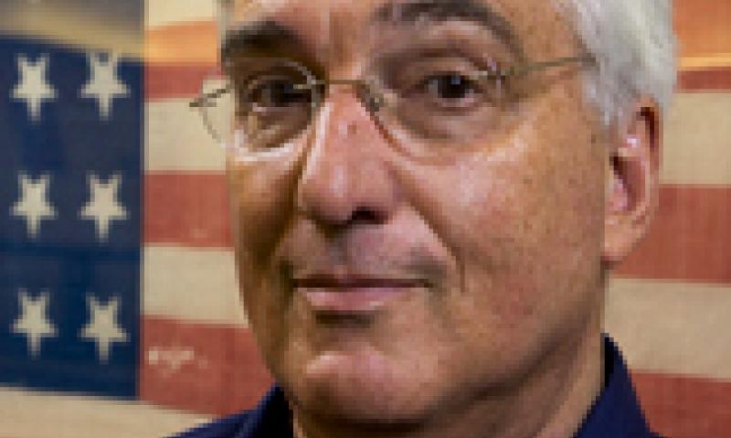 Professor supports flag-protection amendment