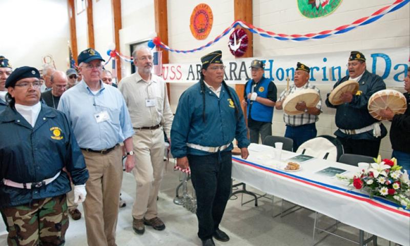 USS Arikara crewmembers reunite