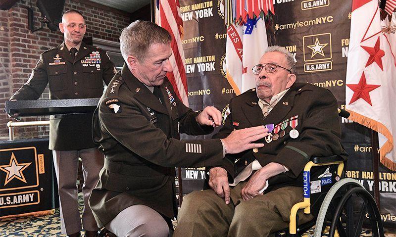 Black D-Day veteran receives long-awaited Purple Heart
