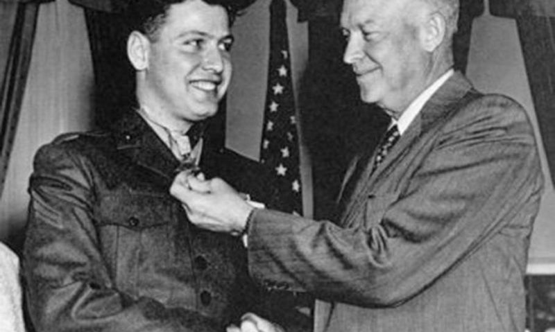 'Made of steel': Korean War vet awarded Medal of Honor for smothering grenade blast dies at 89