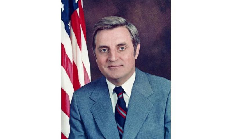American Legion mourns passing of Walter Mondale