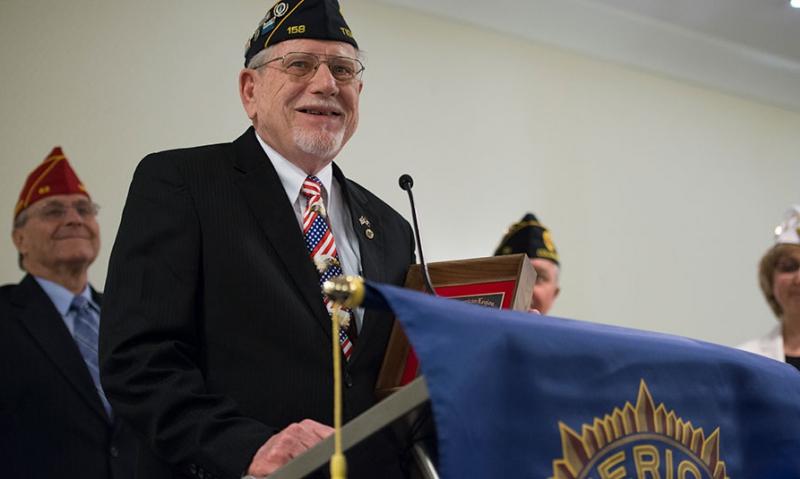 Oregon Legionnaire recognized for volunteerism at VA hospital